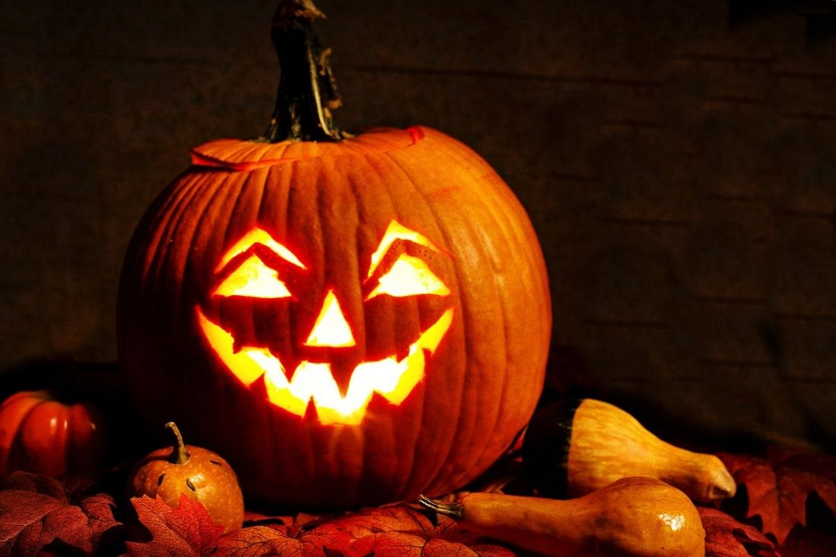 """How-to-carve-a-spooky-Halloween-pumpkin<span class=""""ag_event_date""""><i class=""""icon-calendar""""></i>on October 31, 2021</span>"""