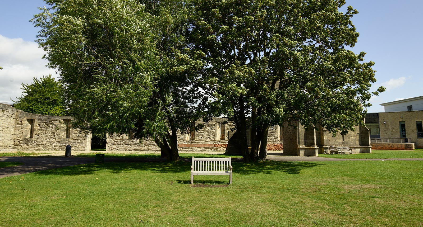 Garden space for 500 guests hired from Llanthony Secunda priory in Gloucester