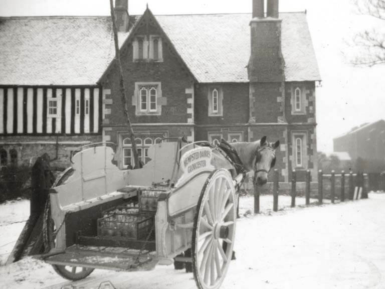 Felix the horse delivering milk to Llanthony Secunda in the snow.