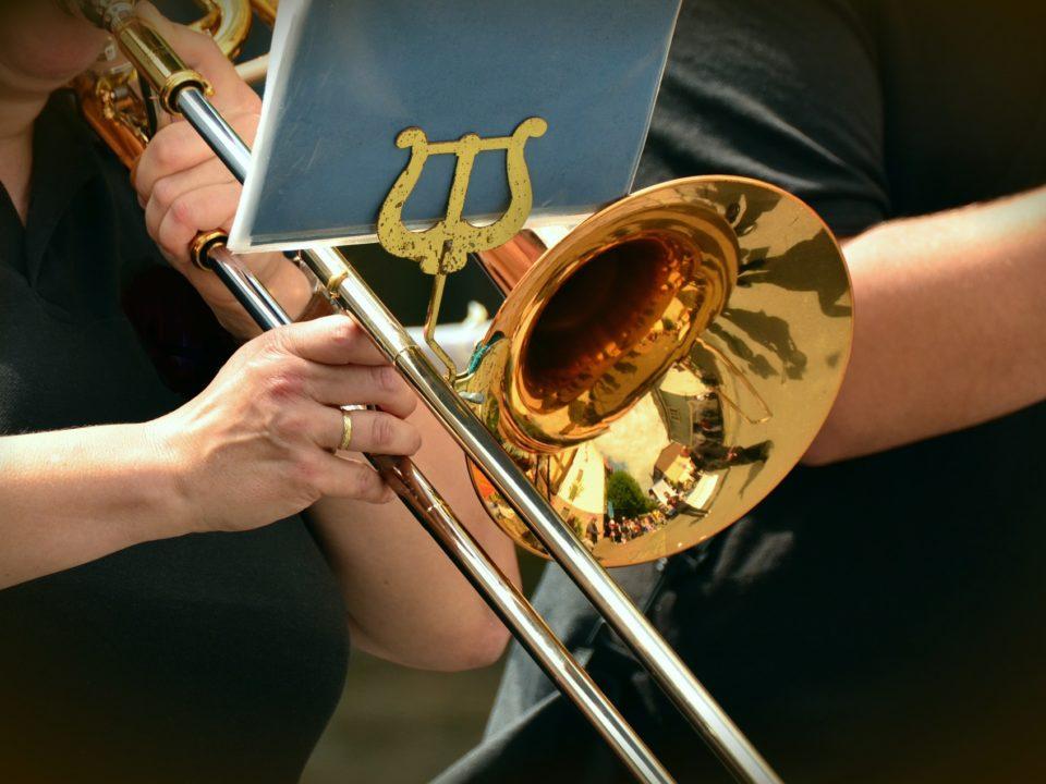 Trombone and lyre